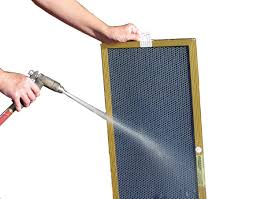 How-to-clean-the-washable-furnace-filter-properly